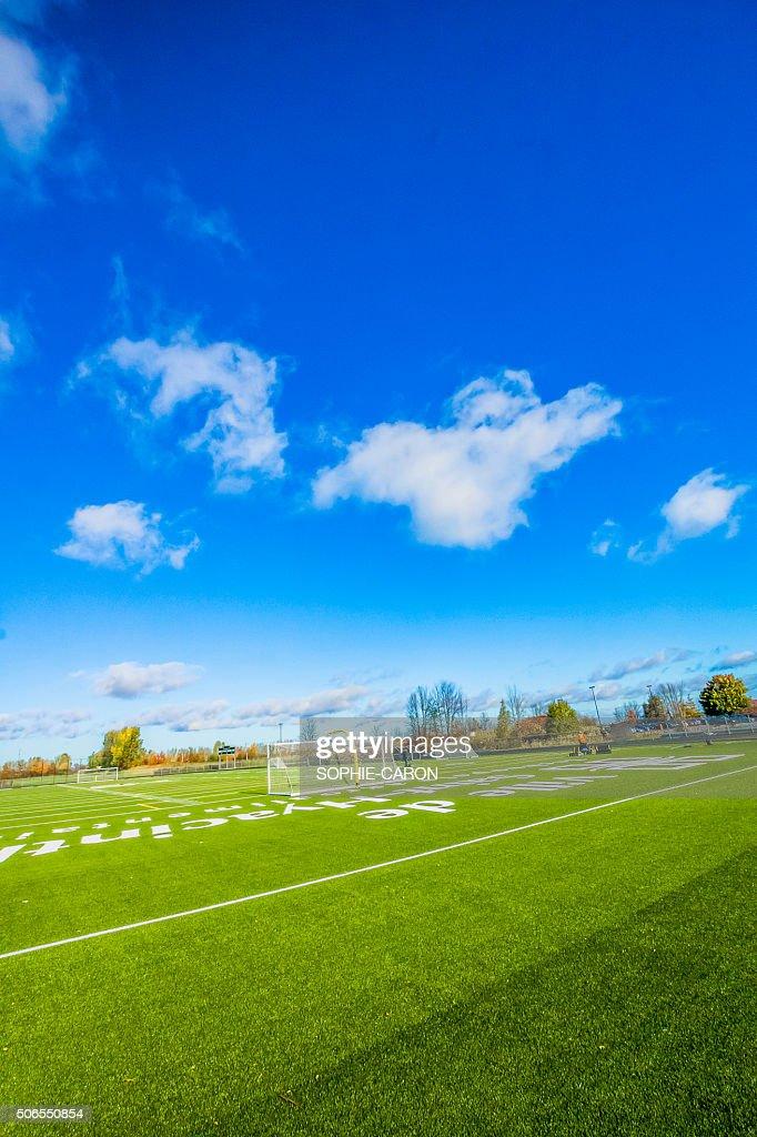Terrain de soccer- CÉGEP de Saint-Hyacinthe : Stock Photo