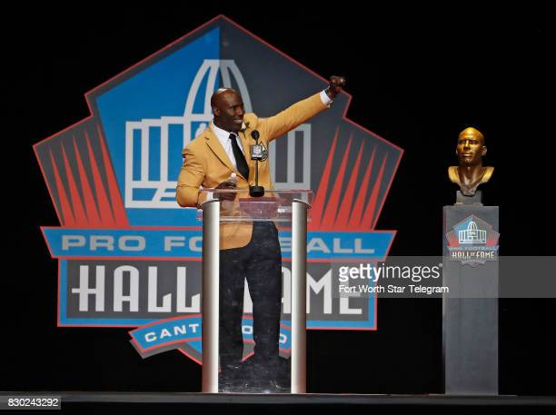 Terrell Davis speaks to the fans during his speech The 2017 NFL Hall of Fame class including Dallas Cowboys owner Jerry Jones and former TCU running...
