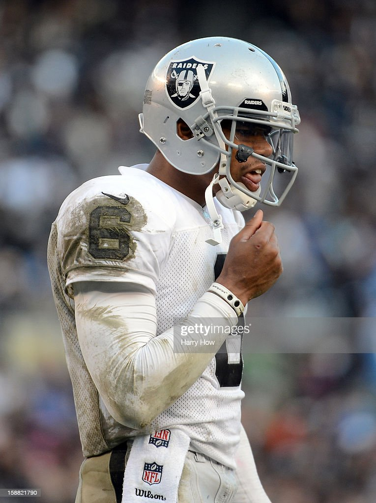 <a gi-track='captionPersonalityLinkClicked' href=/galleries/search?phrase=Terrelle+Pryor&family=editorial&specificpeople=4420918 ng-click='$event.stopPropagation()'>Terrelle Pryor</a> #6 of the Oakland Raiders returns to the huddle trailing the San Diego Chargers 24-14 at Qualcomm Stadium on December 30, 2012 in San Diego, California.