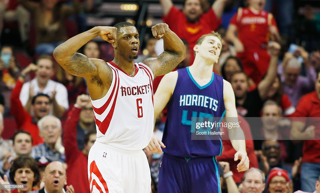 Terrence Jones #6 of the Houston Rockets reacts to a play as Cody Zeller #40 of the Charlotte Hornets looks on during their game at Toyota Center on December 21, 2015 in Houston, Texas.