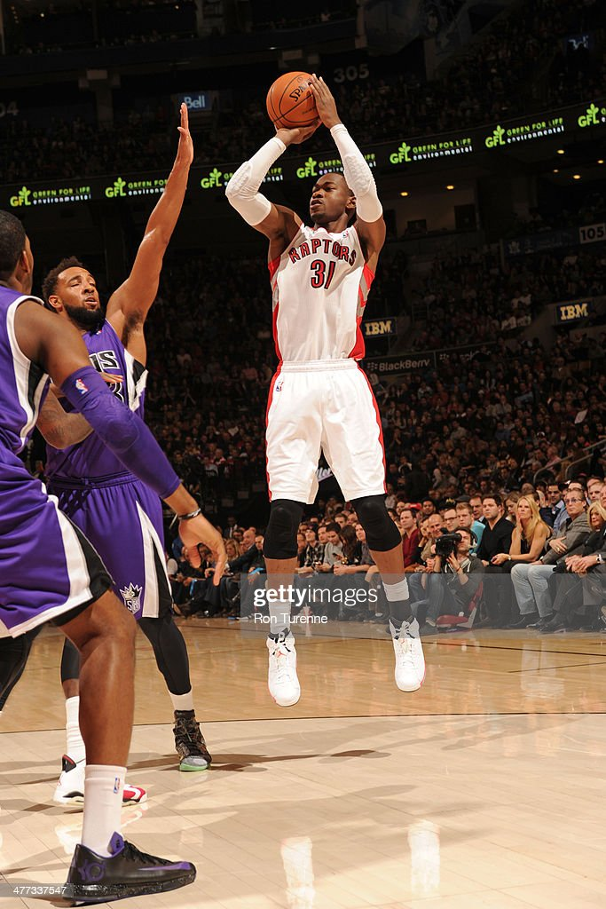 <a gi-track='captionPersonalityLinkClicked' href=/galleries/search?phrase=Terrence+Ross&family=editorial&specificpeople=6781663 ng-click='$event.stopPropagation()'>Terrence Ross</a> #31 of the Toronto Raptors shoots against the Sacramento Kings on March 7, 2014 at the Air Canada Centre in Toronto, Ontario, Canada.