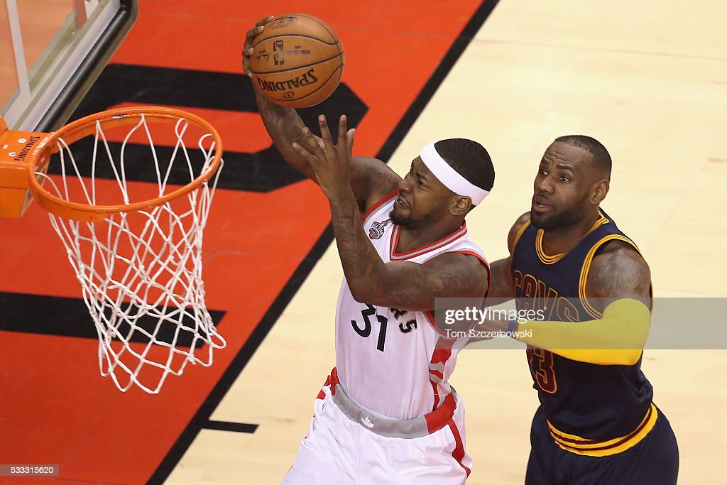 <a gi-track='captionPersonalityLinkClicked' href=/galleries/search?phrase=Terrence+Ross&family=editorial&specificpeople=6781663 ng-click='$event.stopPropagation()'>Terrence Ross</a> #31 of the Toronto Raptors shoots the ball against <a gi-track='captionPersonalityLinkClicked' href=/galleries/search?phrase=LeBron+James&family=editorial&specificpeople=201474 ng-click='$event.stopPropagation()'>LeBron James</a> #23 of the Cleveland Cavaliers during the first half in game three of the Eastern Conference Finals during the 2016 NBA Playoffs at Air Canada Centre on May 21, 2016 in Toronto, Canada.