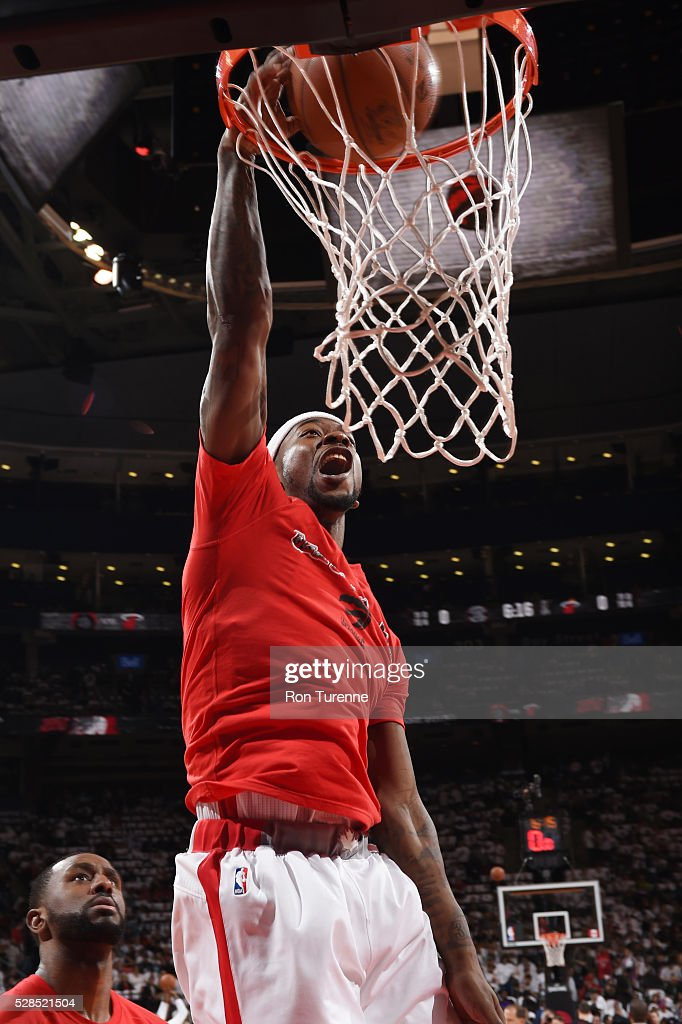 <a gi-track='captionPersonalityLinkClicked' href=/galleries/search?phrase=Terrence+Ross&family=editorial&specificpeople=6781663 ng-click='$event.stopPropagation()'>Terrence Ross</a> #31 of the Toronto Raptors warms up before the game against the Miami Heat in Game Two of the Eastern Conference Semifinals on May 5, 2016 at the Air Canada Centre in Toronto, Ontario, Canada.