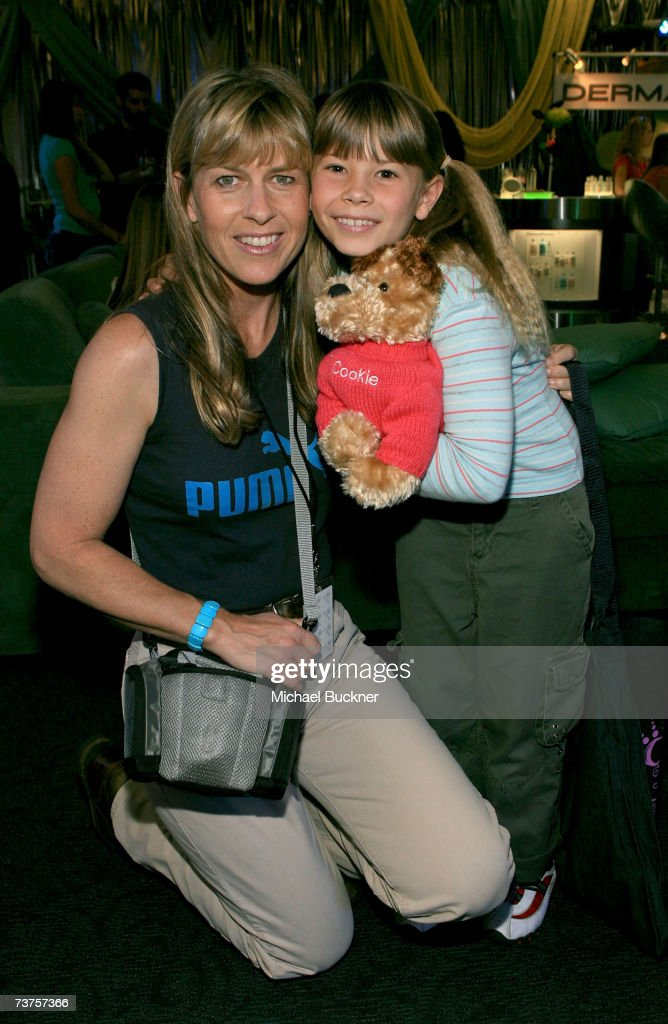 Terri Irwin and daughter Bindi Irwin pose in the Distinctive Assets gift lounge during the 20th annual Kid's Choice Awards at Pauley Pavilion on...