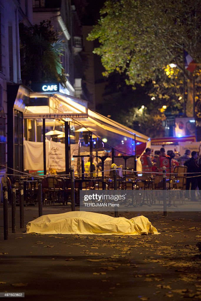 terrorist attacks in Paris at the Bataclan concert hall, in the streets and pubs of the 11th district on November 13, 2015. Boulevard des Filles-Du-Calvaire a victim's body.
