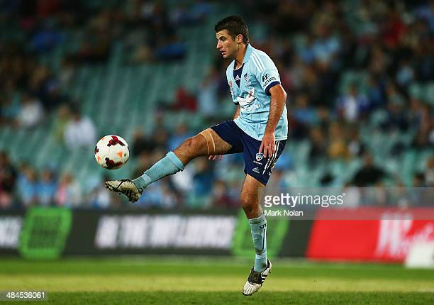 Terry Antonis of Sydney controls the ball during the round 27 ALeague match between Sydney FC and Perth Glory at Allianz Stadium on April 13 2014 in...