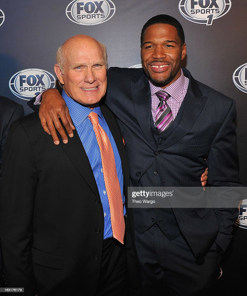 <a gi-track='captionPersonalityLinkClicked' href=/galleries/search?phrase=Terry+Bradshaw&family=editorial&specificpeople=204175 ng-click='$event.stopPropagation()'>Terry Bradshaw</a> and <a gi-track='captionPersonalityLinkClicked' href=/galleries/search?phrase=Michael+Strahan&family=editorial&specificpeople=210563 ng-click='$event.stopPropagation()'>Michael Strahan</a> attend the 2013 Fox Sports Media Group Upfront after party at Roseland Ballroom on March 5, 2013 in New York City.