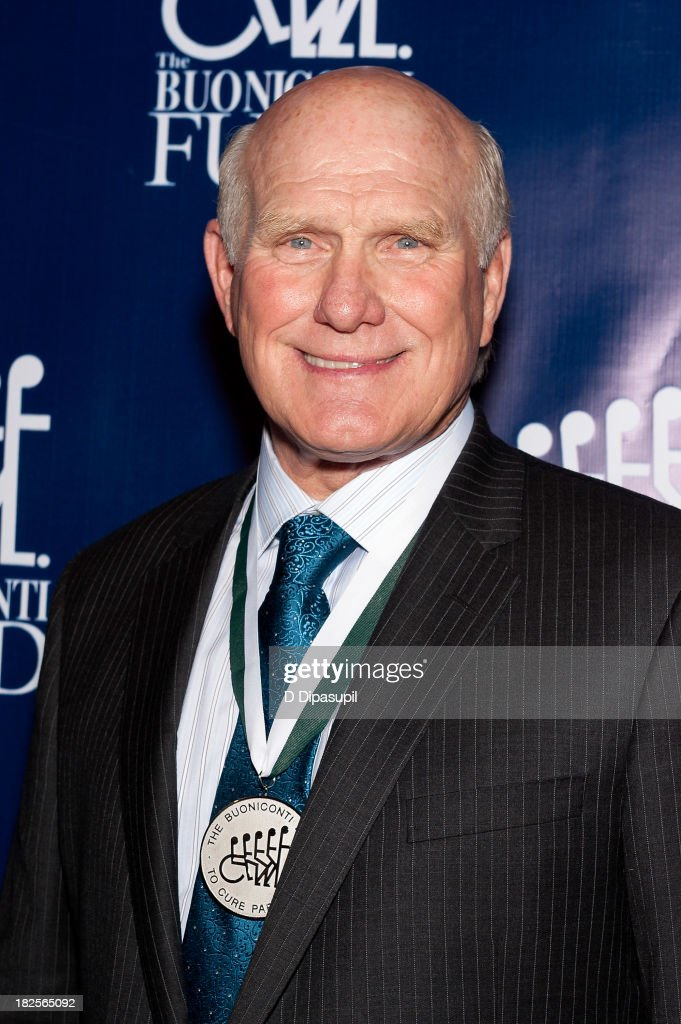 <a gi-track='captionPersonalityLinkClicked' href=/galleries/search?phrase=Terry+Bradshaw&family=editorial&specificpeople=204175 ng-click='$event.stopPropagation()'>Terry Bradshaw</a> attends the 28th annual Great Sports Legends Dinner to Benefit The Buoniconti Fund To Cure Paralysis at The Waldorf=Astoria on September 30, 2013 in New York City.