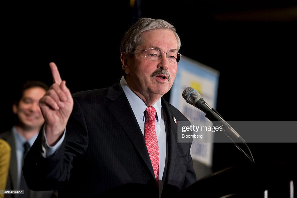 Terry Branstad, governor of Iowa, speaks at an election night rally with Joni Ernst, newly elected Iowa Republican for U.S. Senate, not pictured, in West Des Moines, Iowa, U.S., on Tuesday, Nov. 4, 2014. Republicans roared back in the midterm elections on Tuesday, capturing control of the Senate from Democrats, holding on in crucial governor races and keeping their majority in the U.S. House. Photographer: Daniel Acker/Bloomberg via Getty Images