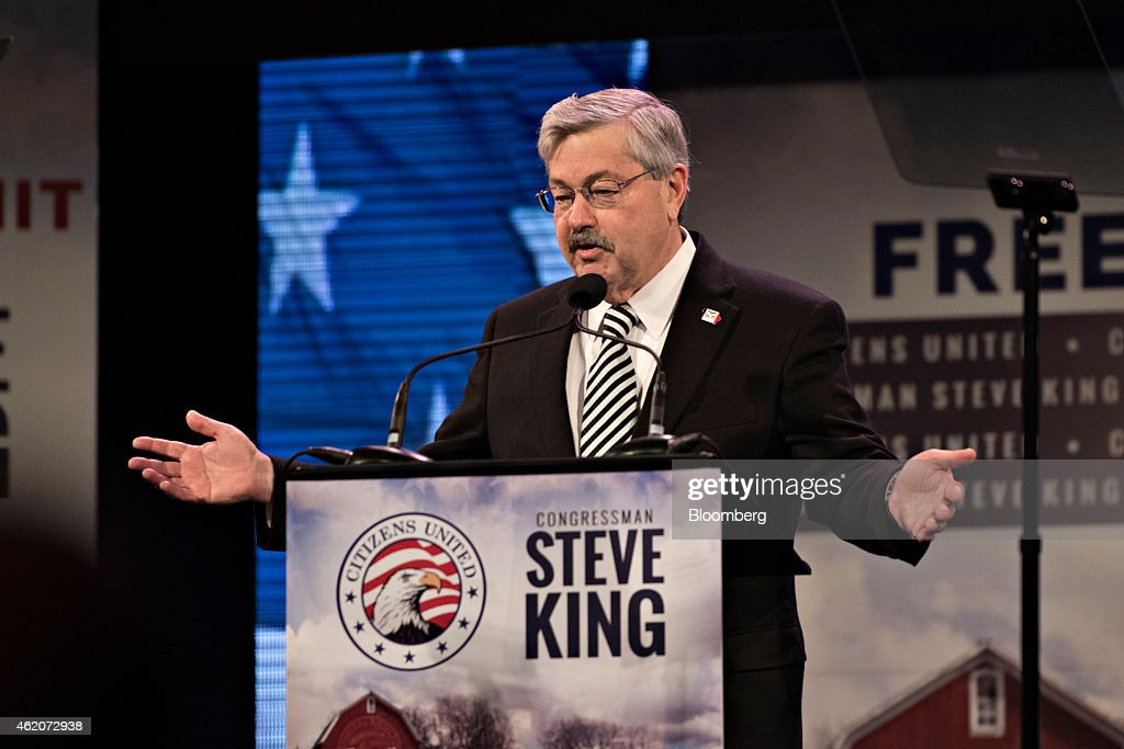 Terry Branstad, governor of Iowa, speaks during the Iowa Freedom Summit in Des Moines, Iowa, U.S., on Saturday, Jan. 24, 2015. The summit will focus on how to get America back on track by emphasizing core conservative principles of pro-growth economics, social conservatism, and a strong national defense. Photographer: Daniel Acker/Bloomberg via Getty Images