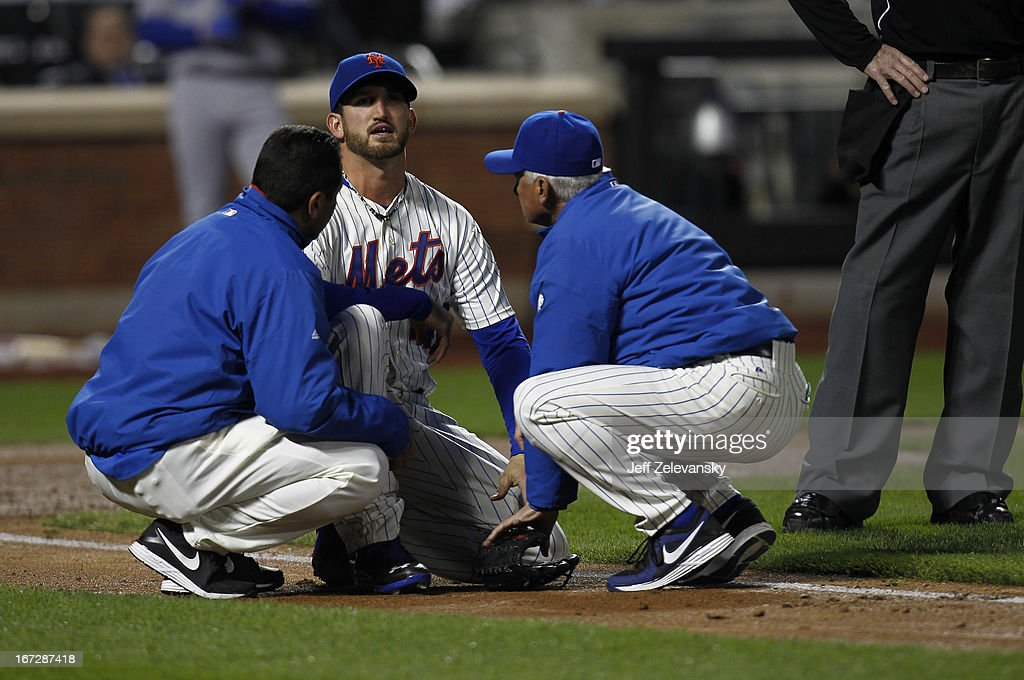 <a gi-track='captionPersonalityLinkClicked' href=/galleries/search?phrase=Terry+Collins&family=editorial&specificpeople=2593404 ng-click='$event.stopPropagation()'>Terry Collins</a> #10 of the New York Mets talks toJonathon Niese #49 of the New York Mets after he was hit by a comebacker hit by Mark Ellis #14 of the Los Angeles Dodgers at Citi Field in the Flushing neighborhood of the Queens borough of New York City. Niese left the game.