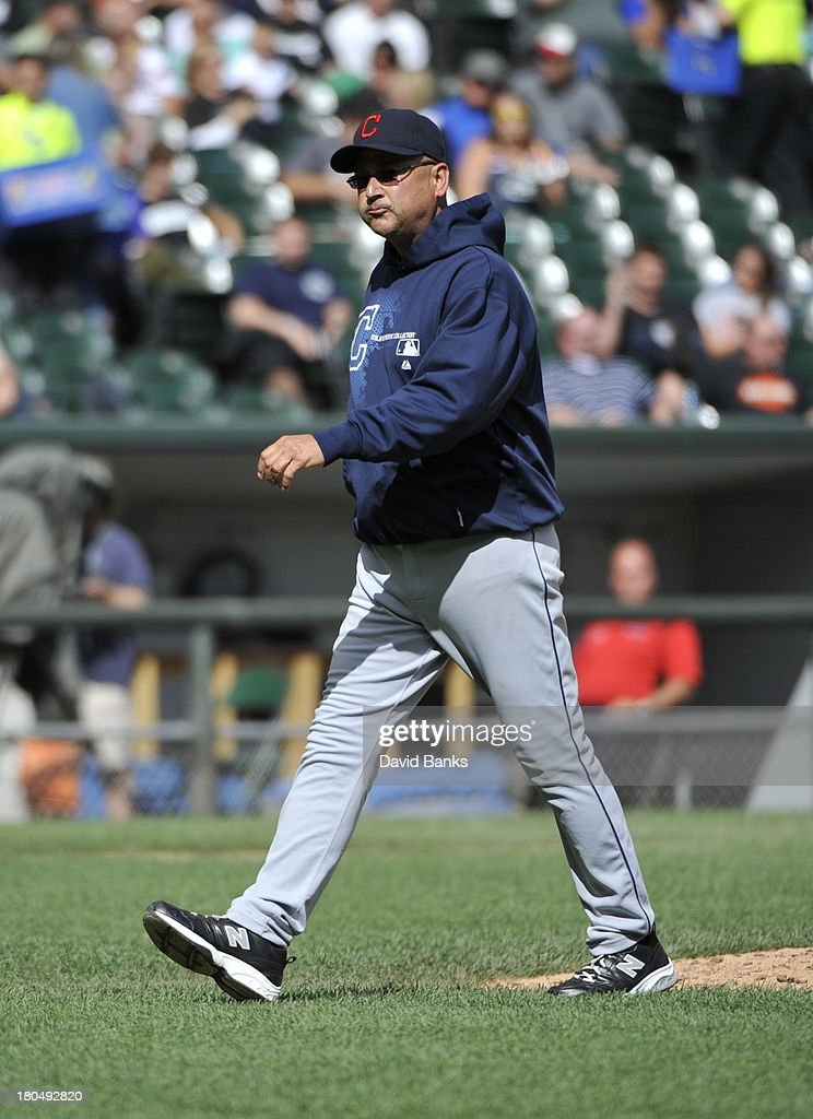 <a gi-track='captionPersonalityLinkClicked' href=/galleries/search?phrase=Terry+Francona&family=editorial&specificpeople=171936 ng-click='$event.stopPropagation()'>Terry Francona</a> #17 of the Cleveland Indians makes a pitching change against the Chicago White Sox during the fourth inning on September 13, 2013 at U.S. Cellular Field in Chicago, Illinois.