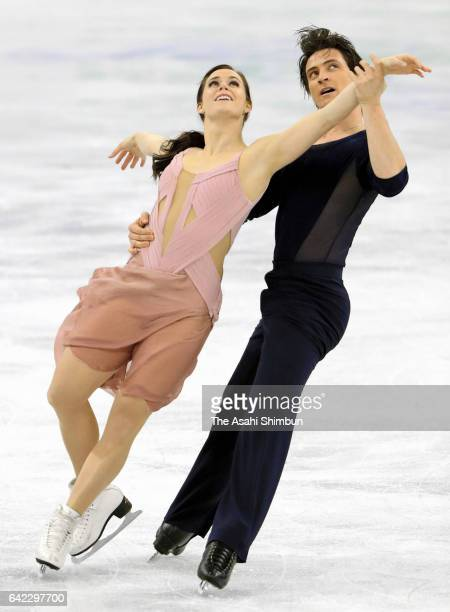 Tessa Virtue and Scott Moir of Canada compete in the Ice Dance Free Dance during day two of the ISU Four Continents Figure Skating Championships at...