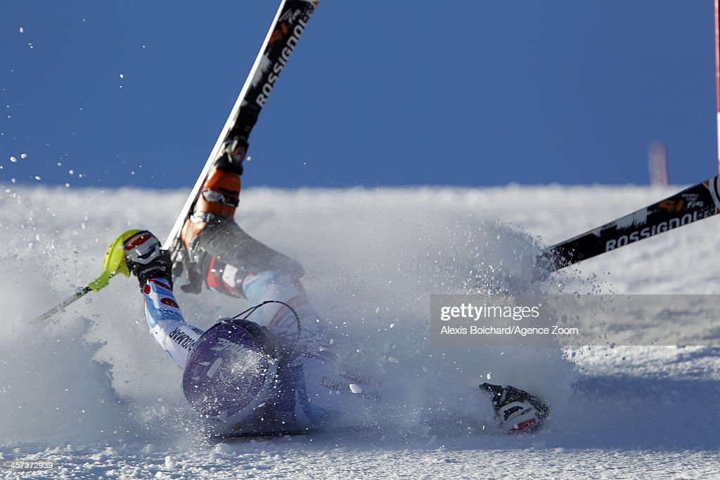 <a gi-track='captionPersonalityLinkClicked' href=/galleries/search?phrase=Tessa+Worley&family=editorial&specificpeople=855344 ng-click='$event.stopPropagation()'>Tessa Worley</a> of France crashes out during the Audi FIS Alpine Ski World Cup Women's Slalom on December 17, 2013 in Courchevel, France.
