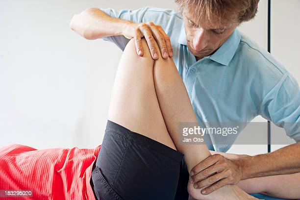 Testing flexibility of a knee