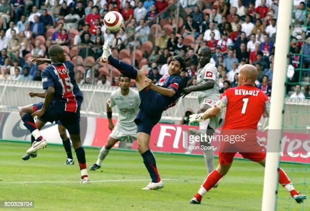 Tete de Mario YEPES Paris Saint Germain / Toulouse 3eme journee de Ligue 1 Parc des Princes