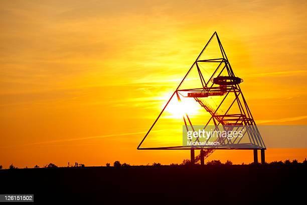 Tetraeder Bottrop bei Sonnenuntergang