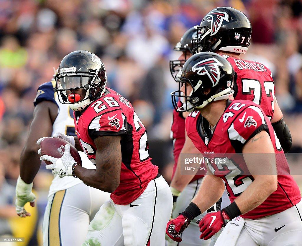 Atlanta Falcons v Los Angeles Rams