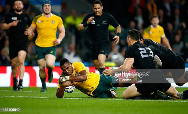 Tevita Kuridrani of Australia scores his team's second try during the 2015 Rugby World Cup Final match between New Zealand and Australia at...