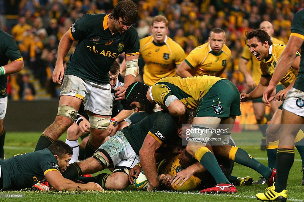 Tevita Kuridrani of the Wallabies scores the winning try during The Rugby Championship match between the Australian Wallabies and the South Africa Springboks at Suncorp Stadium on July 18, 2015 in Brisbane, Australia.