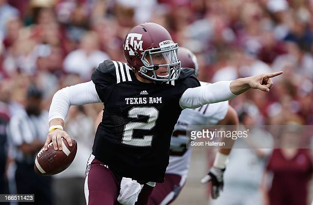 Texas AM Aggies quarterback Johnny Manziel looks to pass during the Maroon White spring football game at Kyle Field on April 13 2013 in College...
