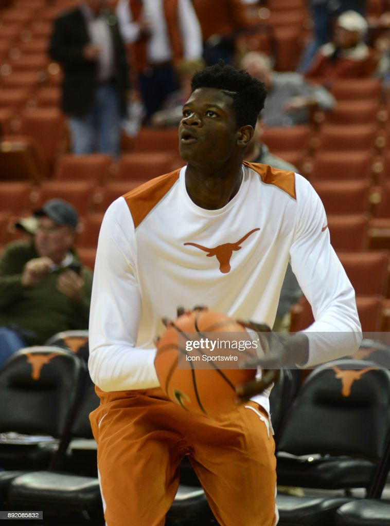 Texas Longhorns forward Mohamed Bamba warms up prior to 59 - 52 loss to the Michigan Wolverines on December 12, 2017 at the Frank Erwin Center in Austin, TX.