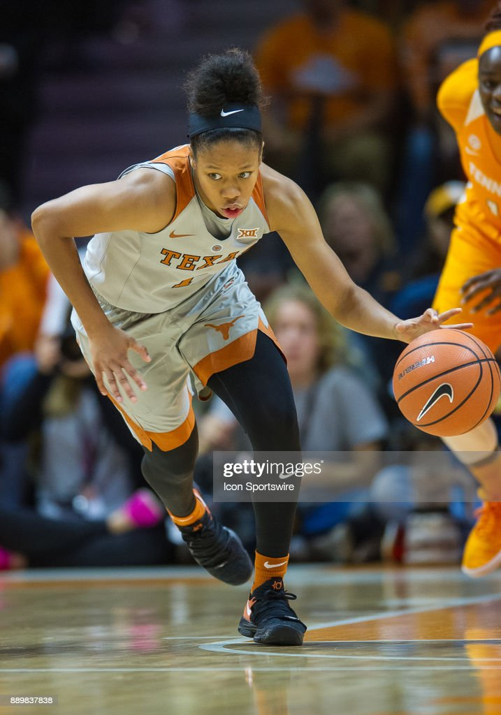 Texas Longhorns guard Alecia Sutton (1) pushes the ball up the court during a game between the Texas Longhorns and Tennessee Lady Volunteers on December 10, 2017, at Thompson-Boling Arena in Knoxville, TN. Tennessee defeated Texas 82-75.