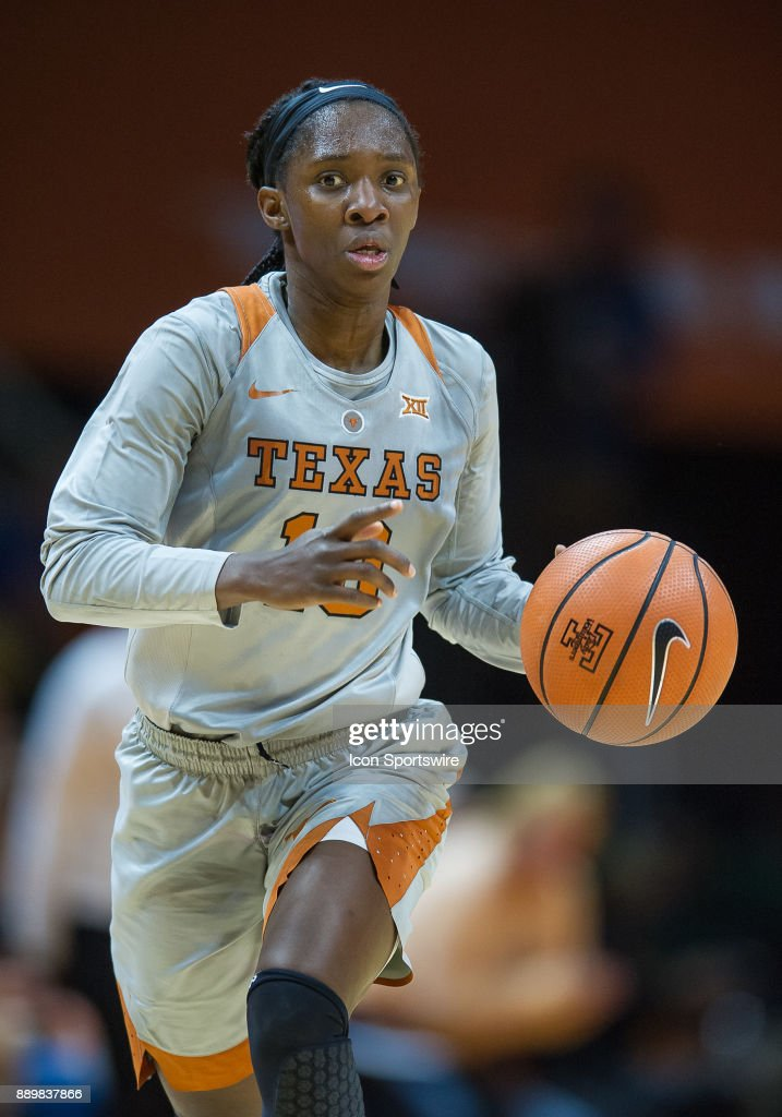 Texas Longhorns guard Lashann Higgs (10) pushes the ball up the court during a game between the Texas Longhorns and Tennessee Lady Volunteers on December 10, 2017, at Thompson-Boling Arena in Knoxville, TN. Tennessee defeated Texas 82-75.