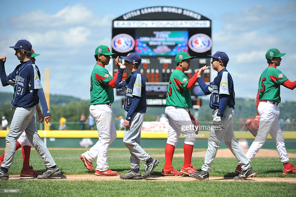 Texas (San Antonio) players shake hands with Mexico (Reynosa) after the consolation game at Volunteer Stadium on August 30, 2009 in Williamsport, Pennsylvania. Mexico defeated Texas 5-4.