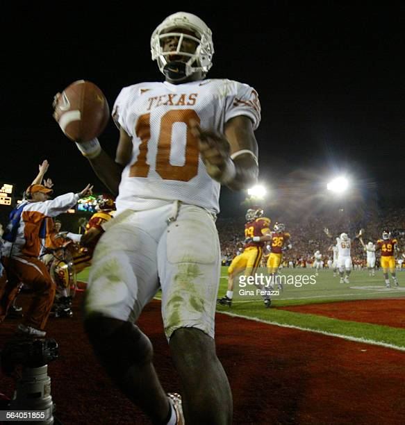 Texas quarterback Vince Young scores the winning touchdown in the final seconds to give the Texas Longhorns the national championship against USC at...