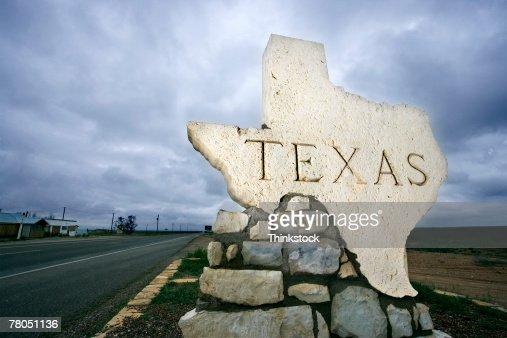 Texas sign at border