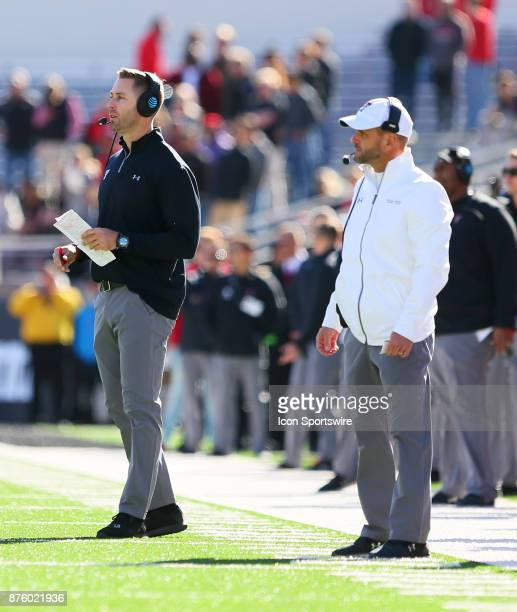 Texas Tech head coach Kliff Kingsbury and defensive coordinator David Gibbs give instructions from the sidelines during the Texas Tech Raider's 273...