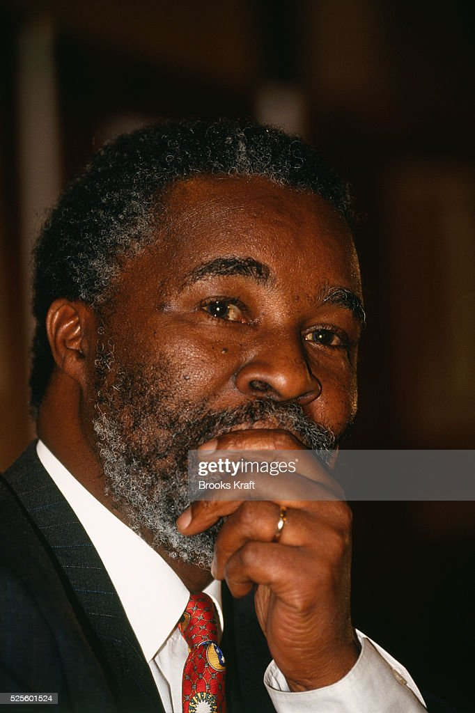<a gi-track='captionPersonalityLinkClicked' href=/galleries/search?phrase=Thabo+Mbeki&family=editorial&specificpeople=160910 ng-click='$event.stopPropagation()'>Thabo Mbeki</a> of African National Congress