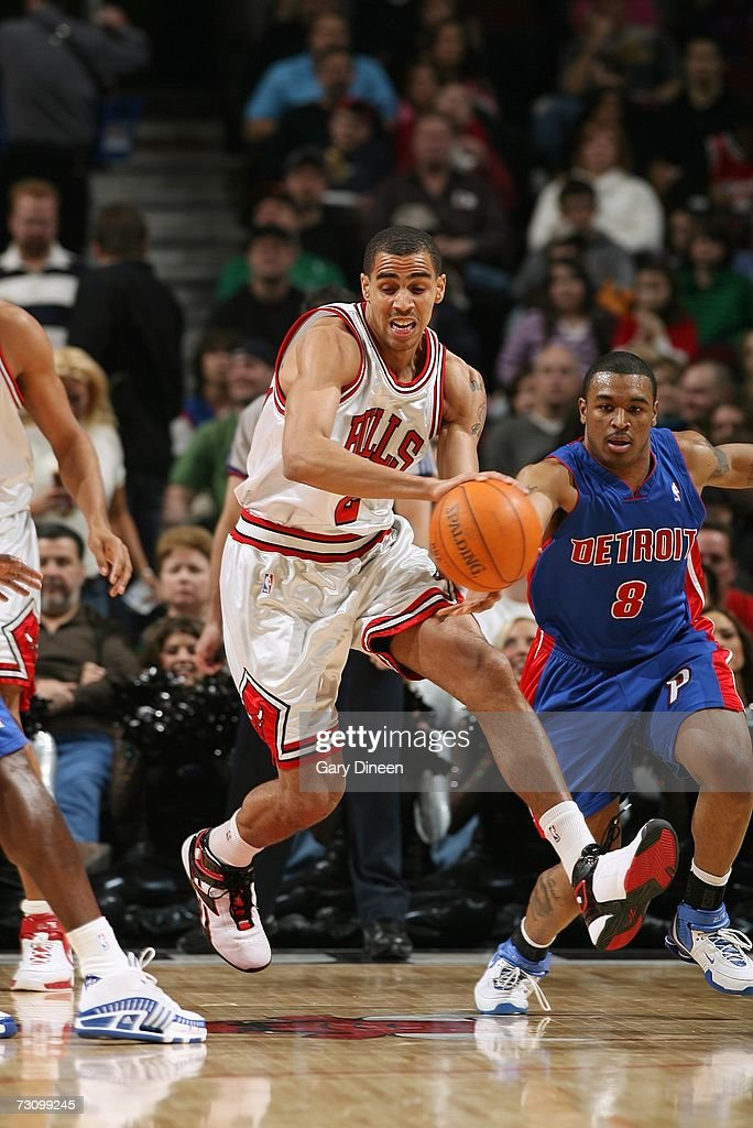 Thabo Sefolosha #2 of the Chicago Bulls moves the ball against the Detroit Pistons during the game at the United Center on January 6, 2007 in Chicago, Illinois. The Bulls won 106-89.