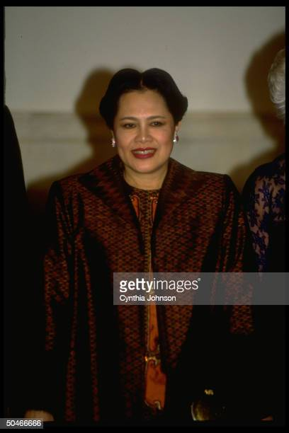 Thai Queen Sirikit visiting WH