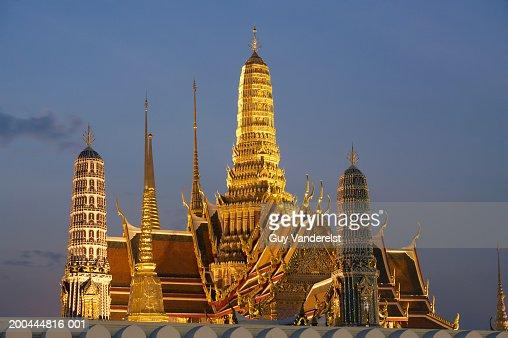 Thailand, Bangkok, Wat Phra Kaew temple illuminated at dusk