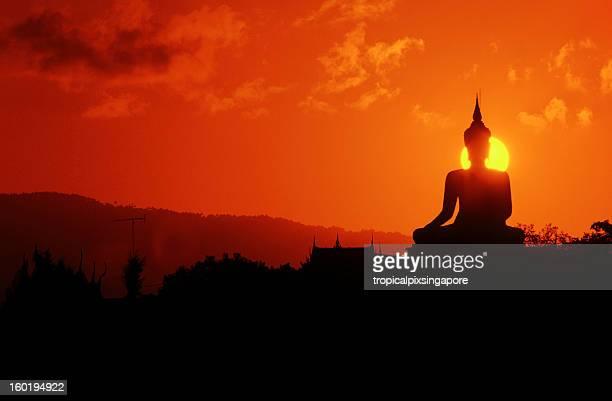 Thaïlande, à Koh Samui, une statue de Bouddha.