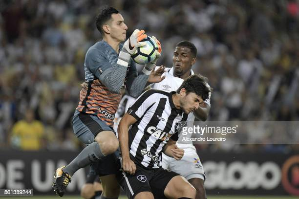 Thalles of Vasco da Gama battles for the ball with Gatito Fernández and Igor Rabello of Botafogo during the match between Vasco da Gama and Botafogo...