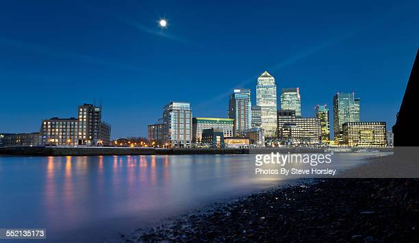 Thames River view of Canary Wharf