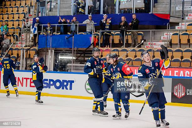 HV71 thanks the supporters during the Champions Hockey League group stage game between HV71 Jonkoping and SonderjyskE Vojens on August 29 2015 in...