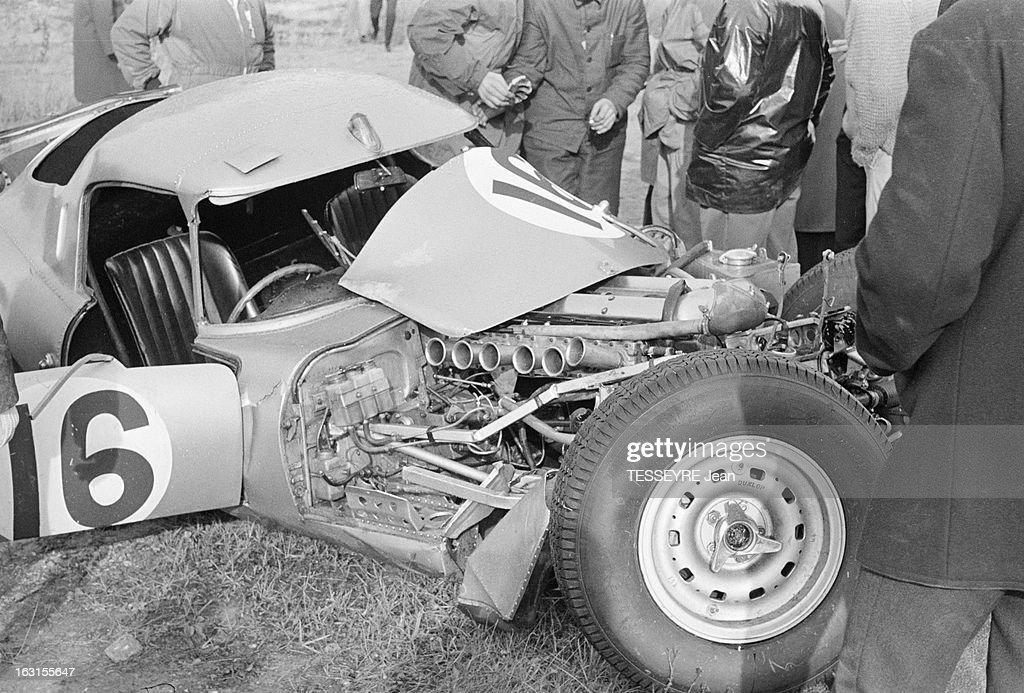 The 1000 Km Of Paris To Montlhery In 1964 Montlhéry 11 octobre 1964 Sur le circuit de l'autodrome de LinasMontlhéry lors de la course automobile des...