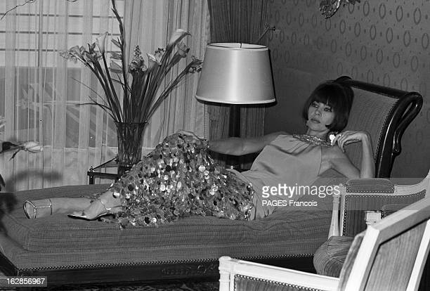 Le Divan Stock Photos And Pictures Getty Images