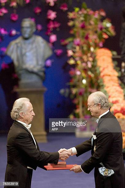 The 2007 Nobel Prize winner in medicine Mario Capecchi of USA receives his medal from the Swedish king Carl XVI Gustaf in the concert hall in...
