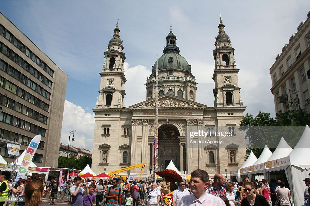 The 34 meters and 67 centimeters long lego castle is being built to break Guinnes world record in front of the St. Stephen's Basilica in Budapest, Hungary on May 25, 2014.