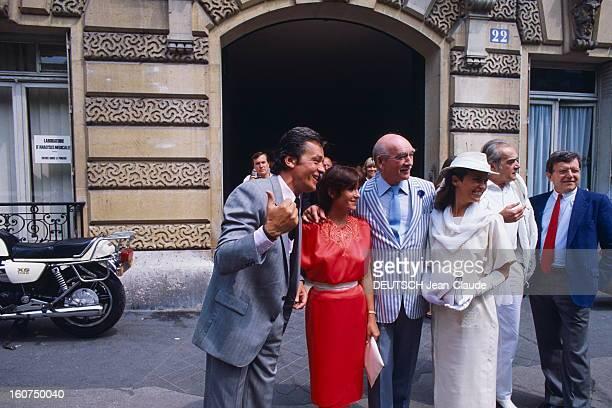 The 7th Marriage Of Eddie Barclay Le septième mariage d'Eddie BARCLAY avec Cathy ESPOSITO à NEUILLY le couple entouré d'Alain DELON Danièle EVENOU...