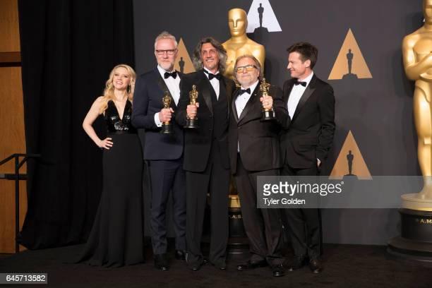 THE OSCARS The 89th Oscars broadcasts live on Oscar SUNDAY FEBRUARY 26 on the ABC Television Network BATEMAN