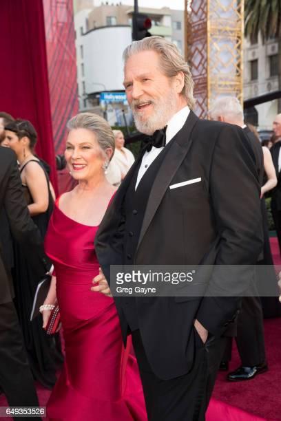 THE OSCARS The 89th Oscars broadcasts live on Oscar SUNDAY FEBRUARY 26 on the ABC Television Network BRIDGES