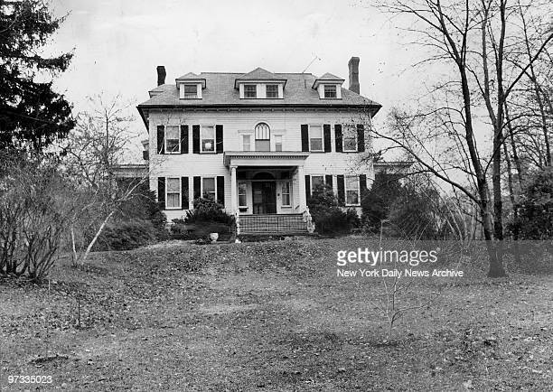The $90 431 Hillside Avenue Westfield NJ 19 room mansion of John List charged with mass mruder of his entire family