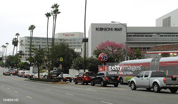The 9900 Wilshire Boulevard site formerly home to the upscale Robinson's Beverly Hills department store has been sold to a group of Hong Kong and...