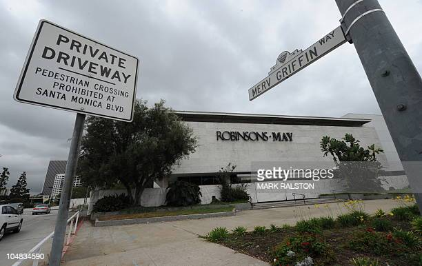 The 9900 Wilshire Boulevard site formerly home to the upscale Robinsons May Beverly Hills department store has been sold to a group of Hong Kong and...